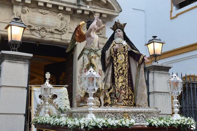 Resultado de imagen de salida procesional de los pasos de la Transverberación de Santa Teresa y de la Virgen del Carmen