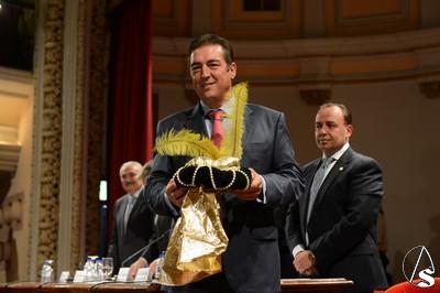 Los reyes magos de la cabalgata del ateneo 2014 fueron for Muebles marquez puente genil