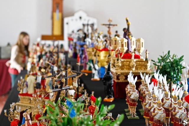 Provincia miniaturas de semana santa en arahal el arte for Alquiler de apartamentos en sevilla para semana santa
