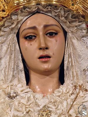 la Basílica de María Auxiliadora en el Rosario de la Aurora