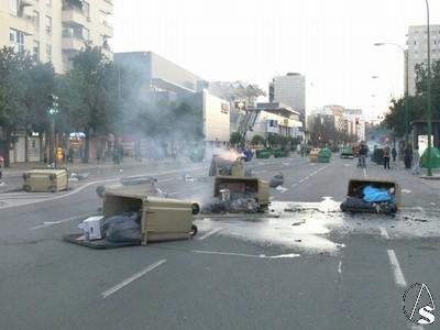 Mouvement en Espagne - Page 4 Incidentes%20Luis%20Morales%2007%20Alberto04