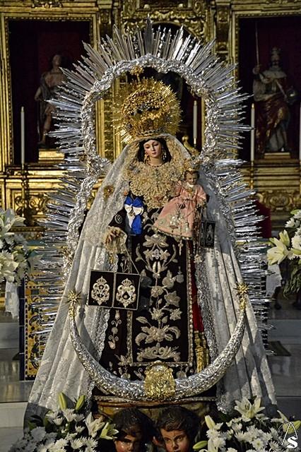 Resultado de imagen de Virgen del Rosario de Santa Catalina. Sevilla 2017